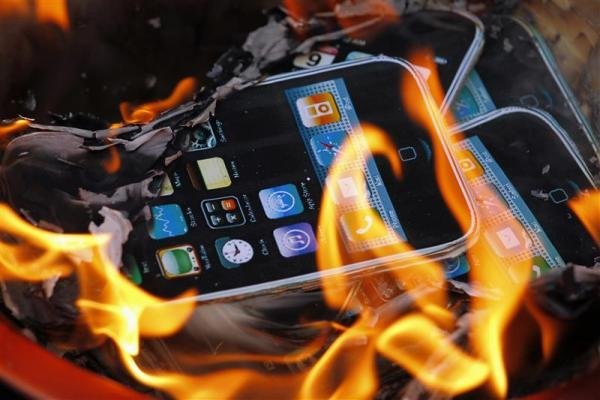burning iPhones